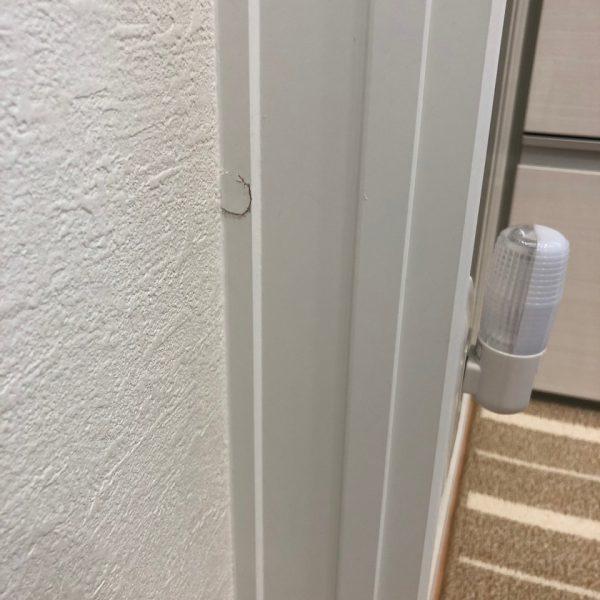 ドア枠の剥がれ直しましたよ