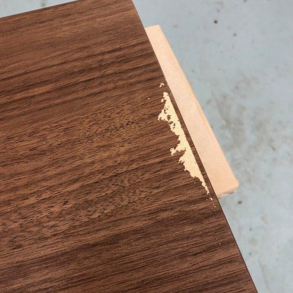 扉の表面剥がれの補修