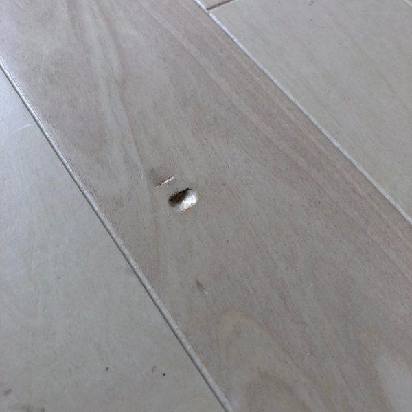 普通に? 床の凹み傷直し