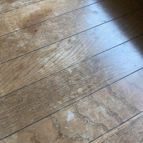 日焼けで色抜けの床をなんとか色を入れる補うと