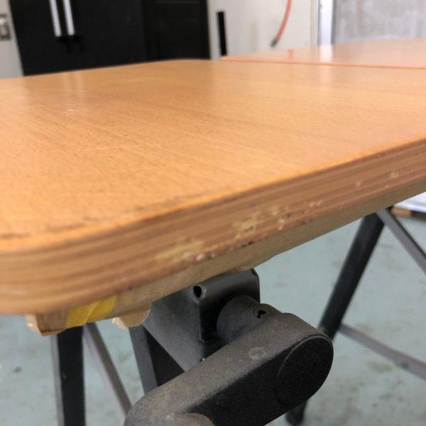 棚板の補修です。塗膜剥がれでして